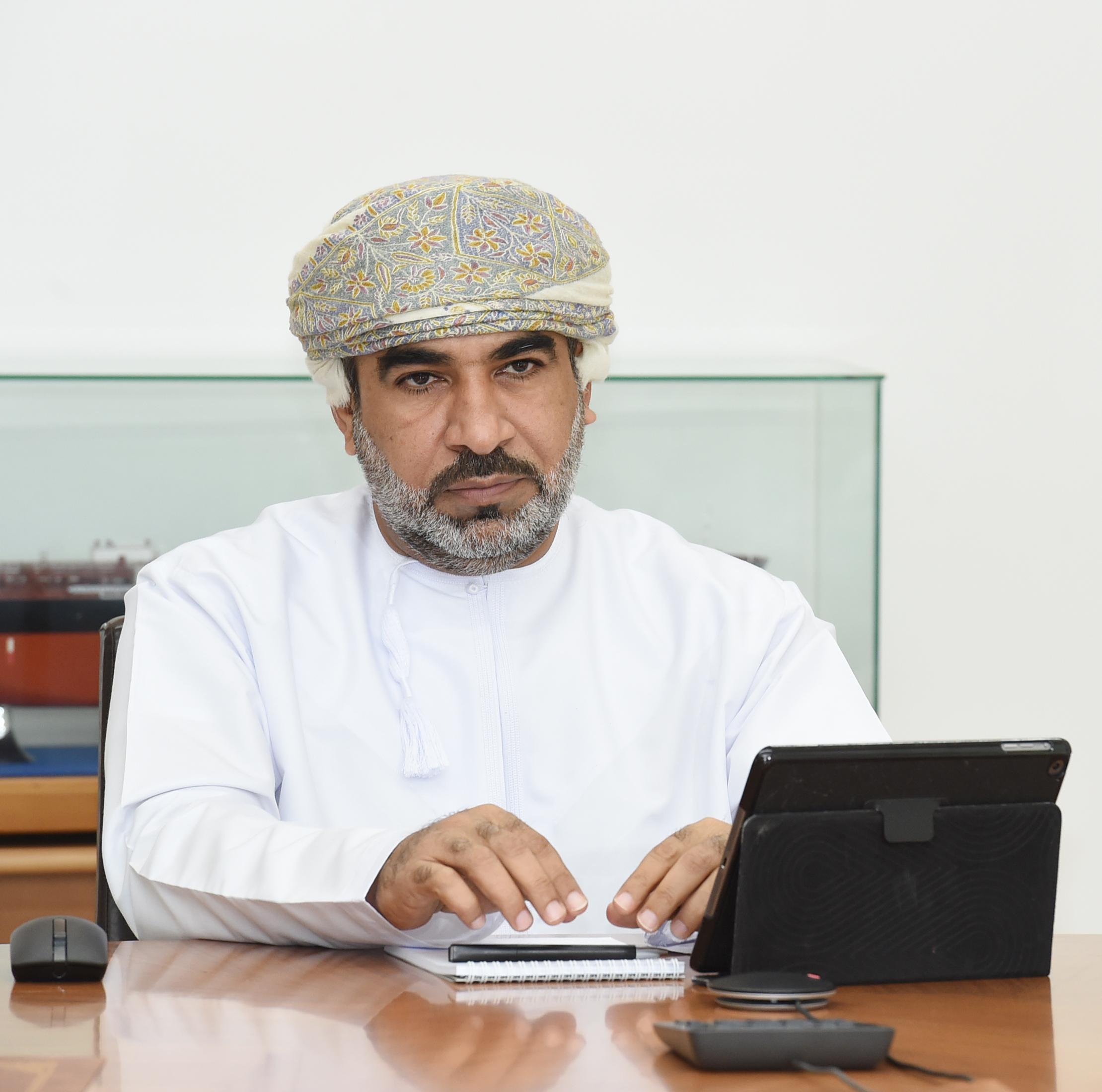 مؤتمر-صحفي-لمعالي-الدكتور-وزير-النقل-...-تصوير-العمانية-٢